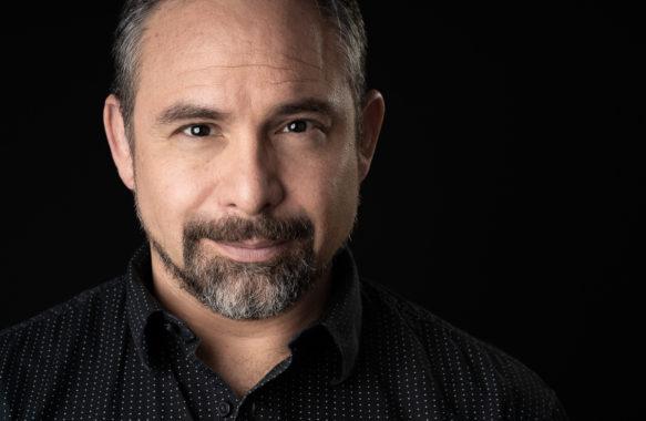 Professional Headshot by Enrique Urdaneta at Imagine Media House